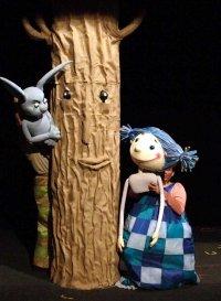 Trójka na głowie – premiera w Teatrze Dzieci Zagłębia w Będzinie