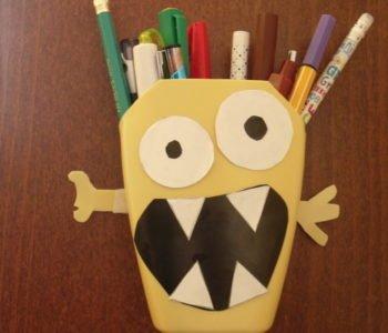 Stworkowy przybornik na długopisy – recykling