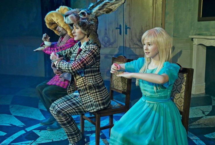 Alicja-w-krainie-czarów-w-Teatrze-Roma