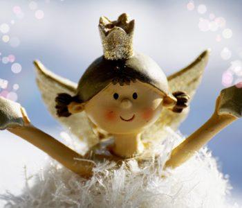 Wiersz dla dzieci o aniołkach. Piosenki i wiersze religijne