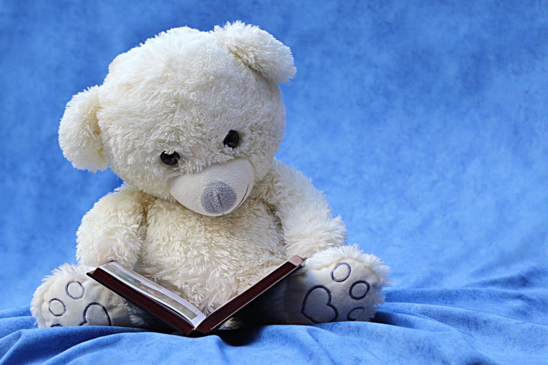 Mole książkowe, wierszyk dla dzieci o czytaniu