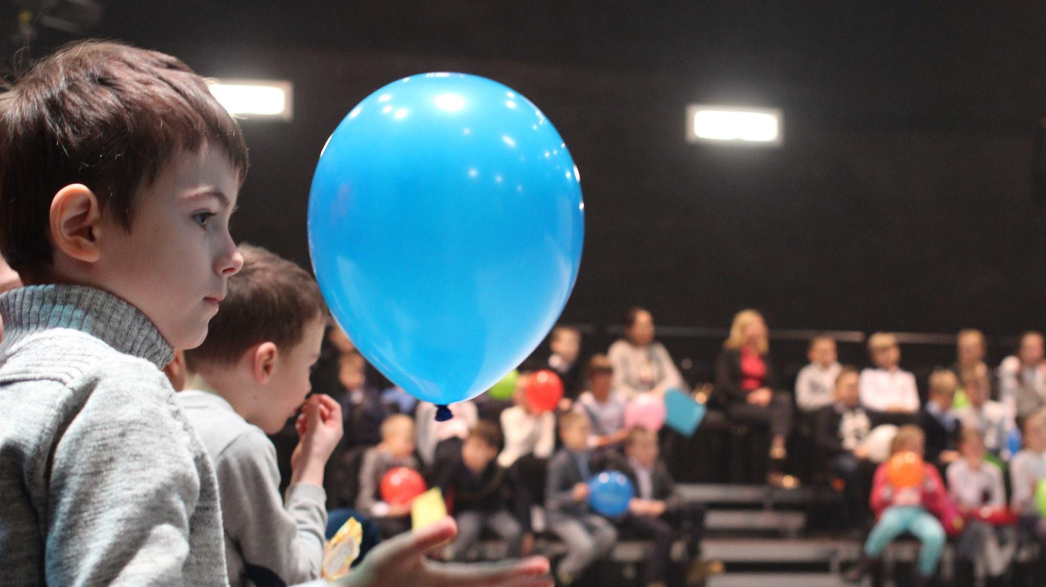 teatr powszechny dla dzieci