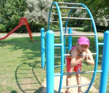 Plac zabaw w Parku Wodziczki