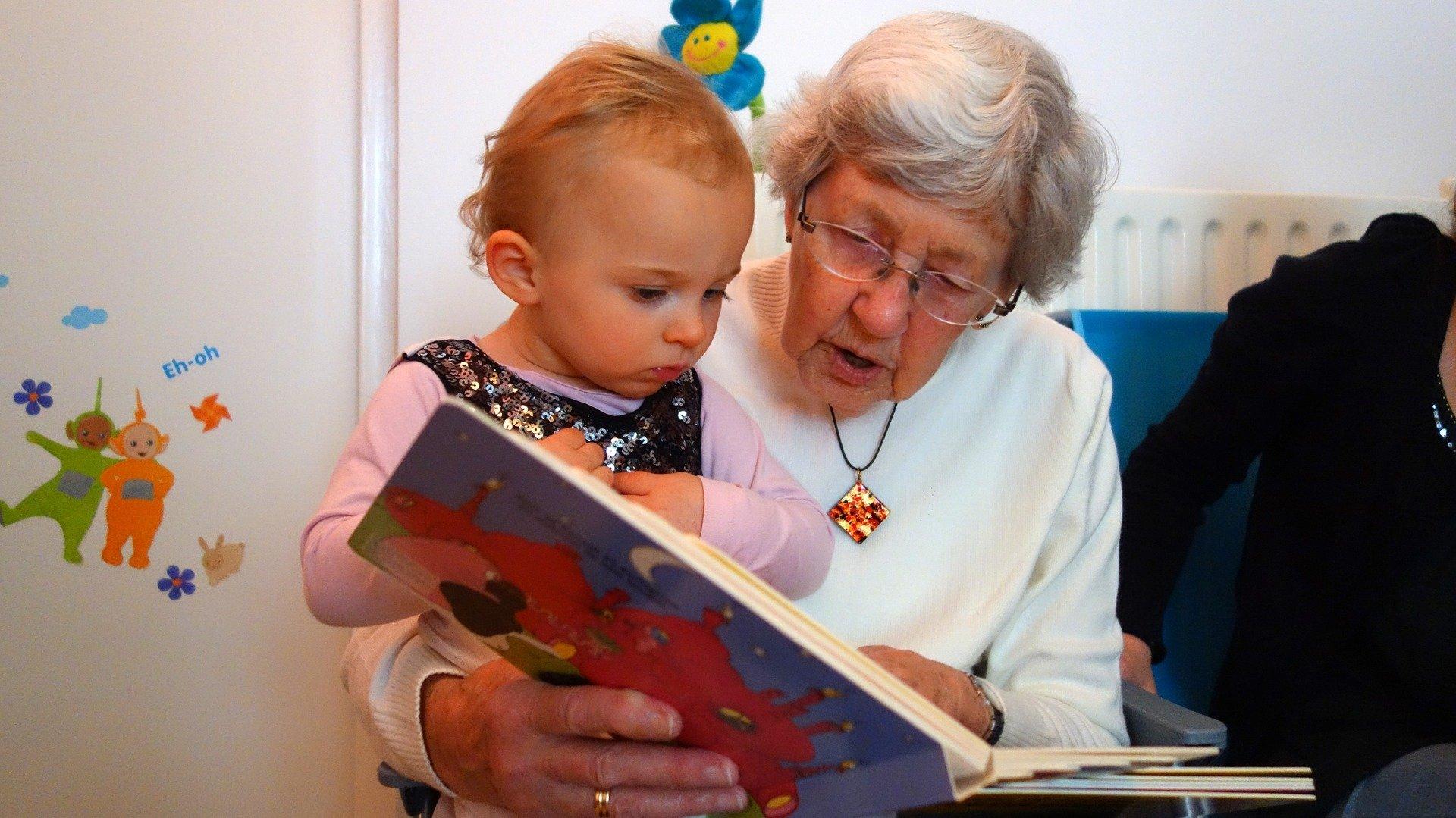 Dlaczego kochamy Babcię? wierszyk dla babci na Dzień Babci