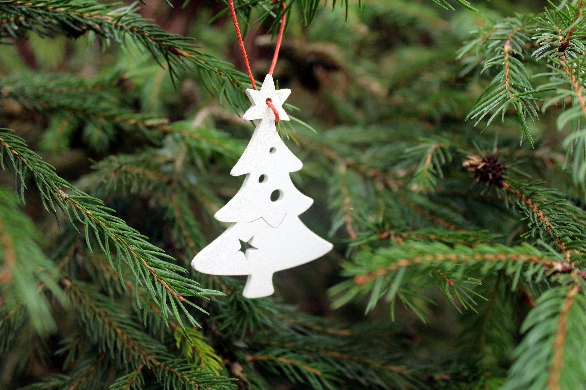 Wesoła choinka, wierszyk świąteczny dla dzieci