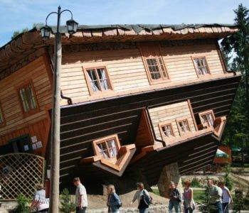 Dom do góry nogami i… najwyższy szczyt w Europie – weekend na Kaszubach