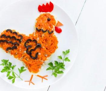 Przepis na sałatkę warzywną z kurczakiem