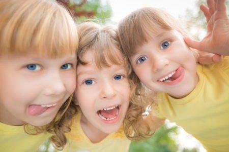 Trzy córki wierszyk dla mamy na Dzień Mamy