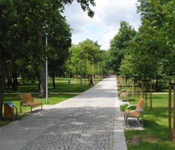 Alejka w Parku Zdrojowym w Konstancinie-Jeziornie