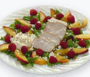 Kurczak z malinami i brzoskwiniami – przepis