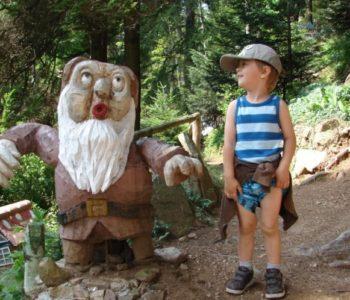 Ogród Bajek i Wodospad Wilczki w Międzygórzu