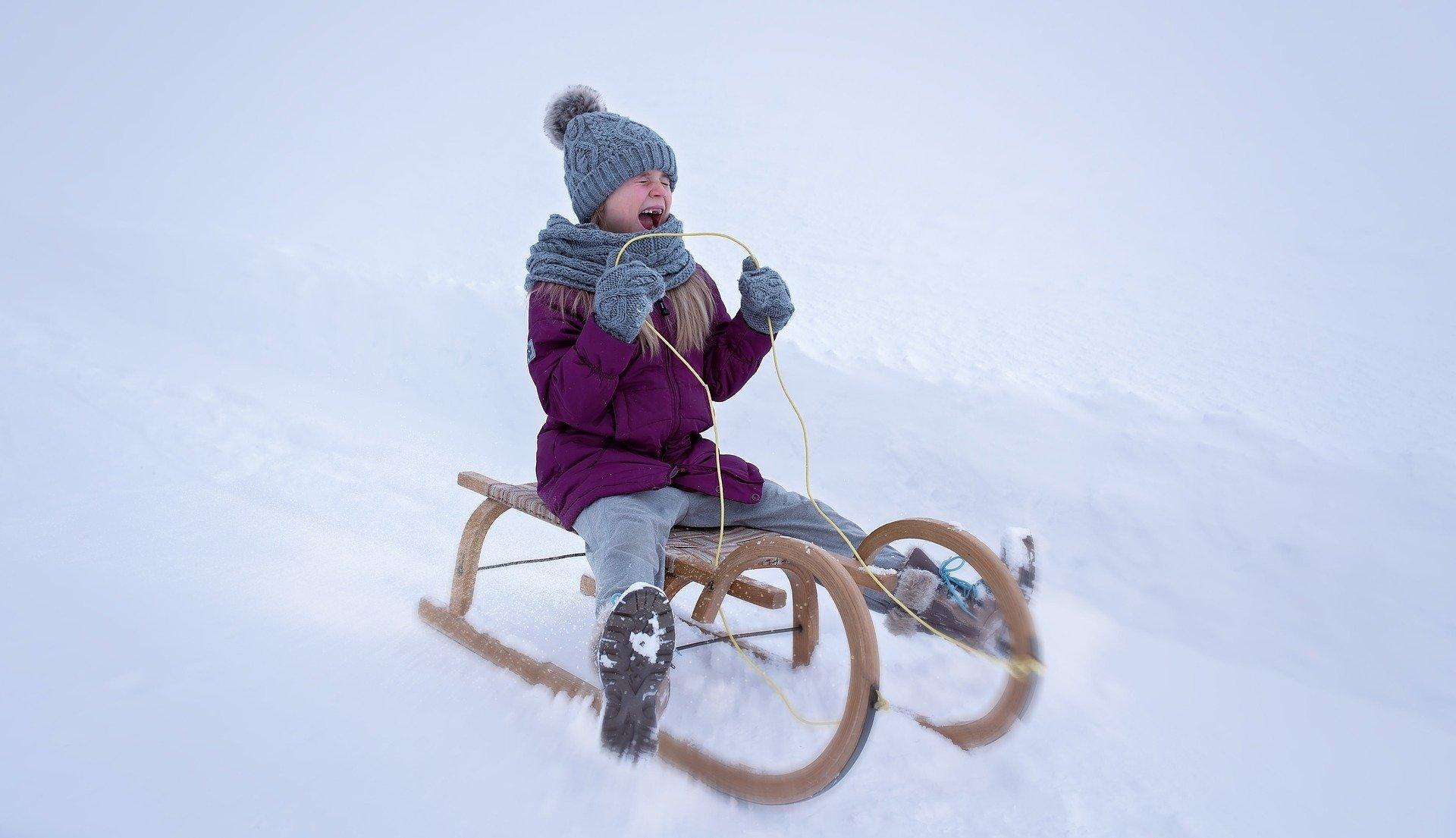 Grudzień o nas pamięta, świąteczny zimowy wierszyk dla dzieci