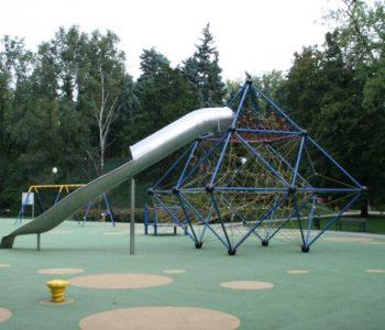 Plac zabaw przy pl. Wilsona