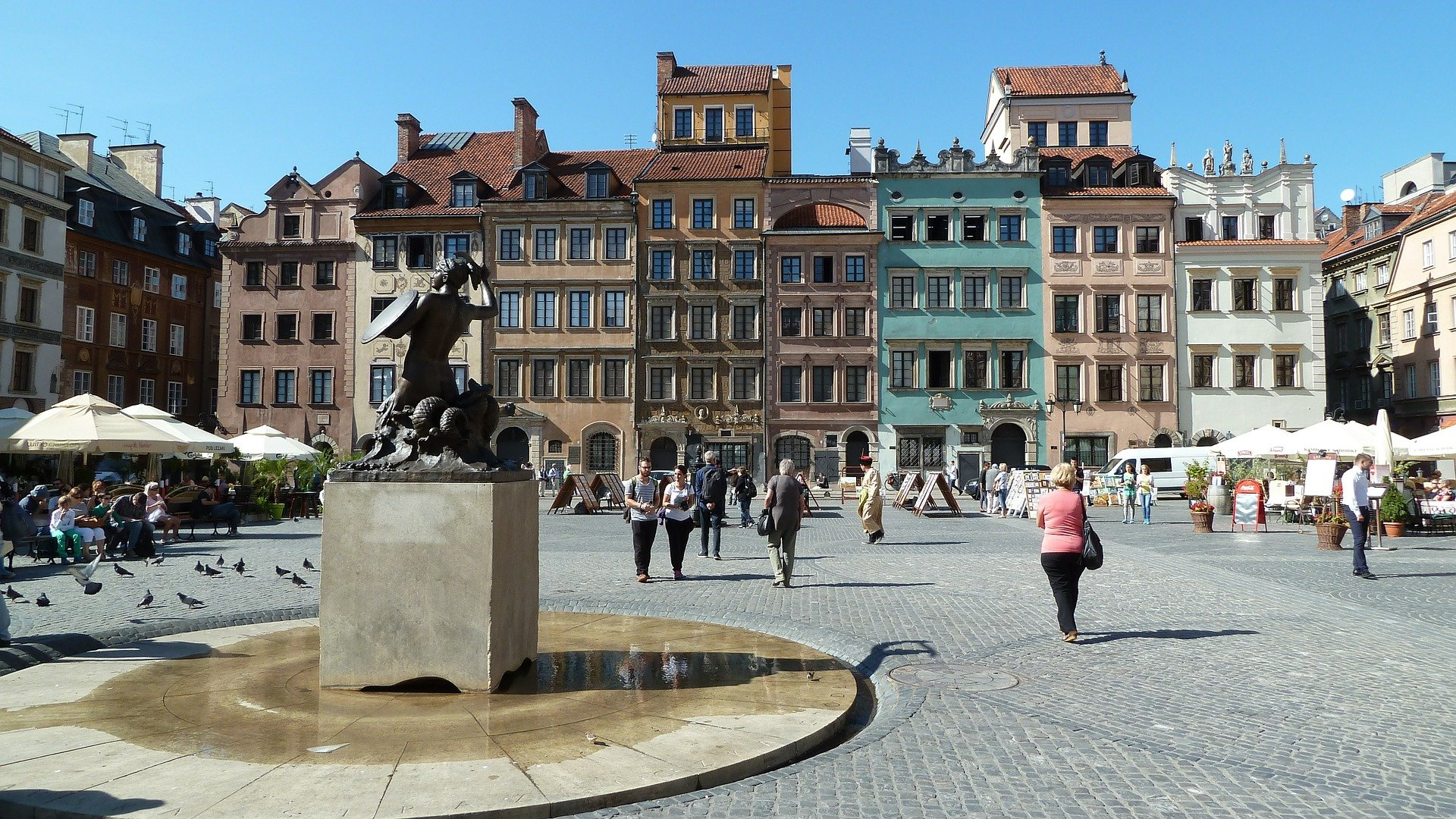 Pomnik Syrenki na Rynku Starego Miasta w Warszawie