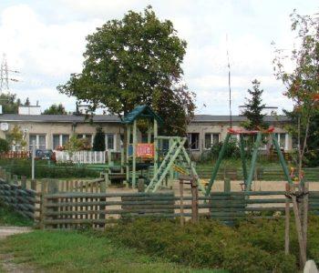 Plac zabaw ul. Zielona (skrzyżowanie z ulicą Płk. Dąbka)