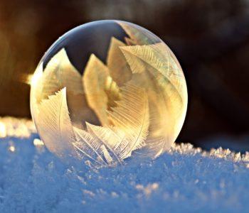 Spojrzały aniołki, wierszyk dla dzieci na zimę i Boże Narodzenie