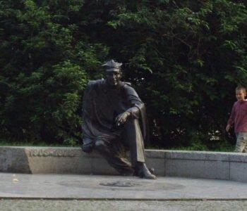 Pomnik Aleksandra Kamińskiego