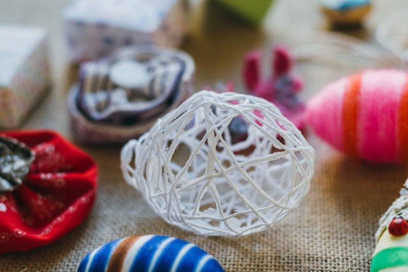 Sznurkowa pisanka świąteczne zabawy dla dzieci dekoracje