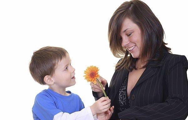 twoje-swieto wierszyk dla mamy. Wiersze i piosenki na Dzień Matki