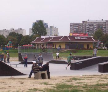 Plac zabaw i skate park