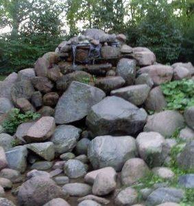Kamienie w Parku Ujazdowskim