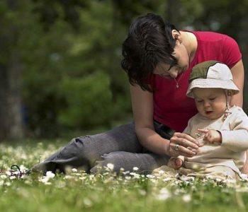 w-zieleni-laka-majowa dla mamy piosenka na Dzień Matki tekst i melodia