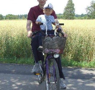Wycieczka rowerowa z dzieckiem, okolice Mszczyny