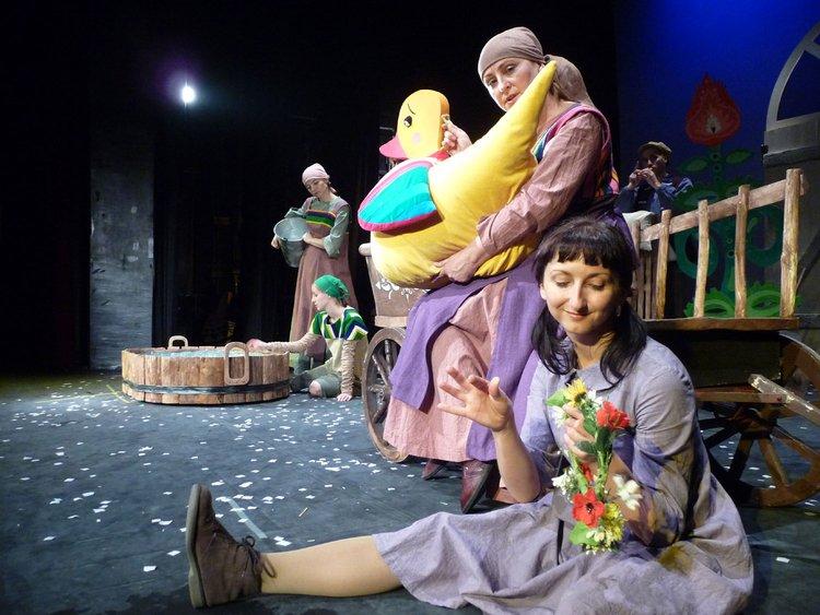 Soboty-w-Teatrze-Dormana-Brzydkie-Kaczątko