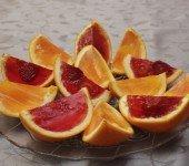 Pomarańcze z galaretką. deser z galaretką dla dzieci