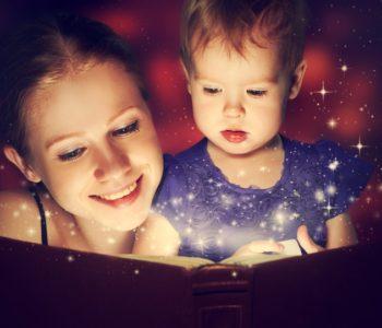 Czytanie książek dziecku, zalety czytania bajek