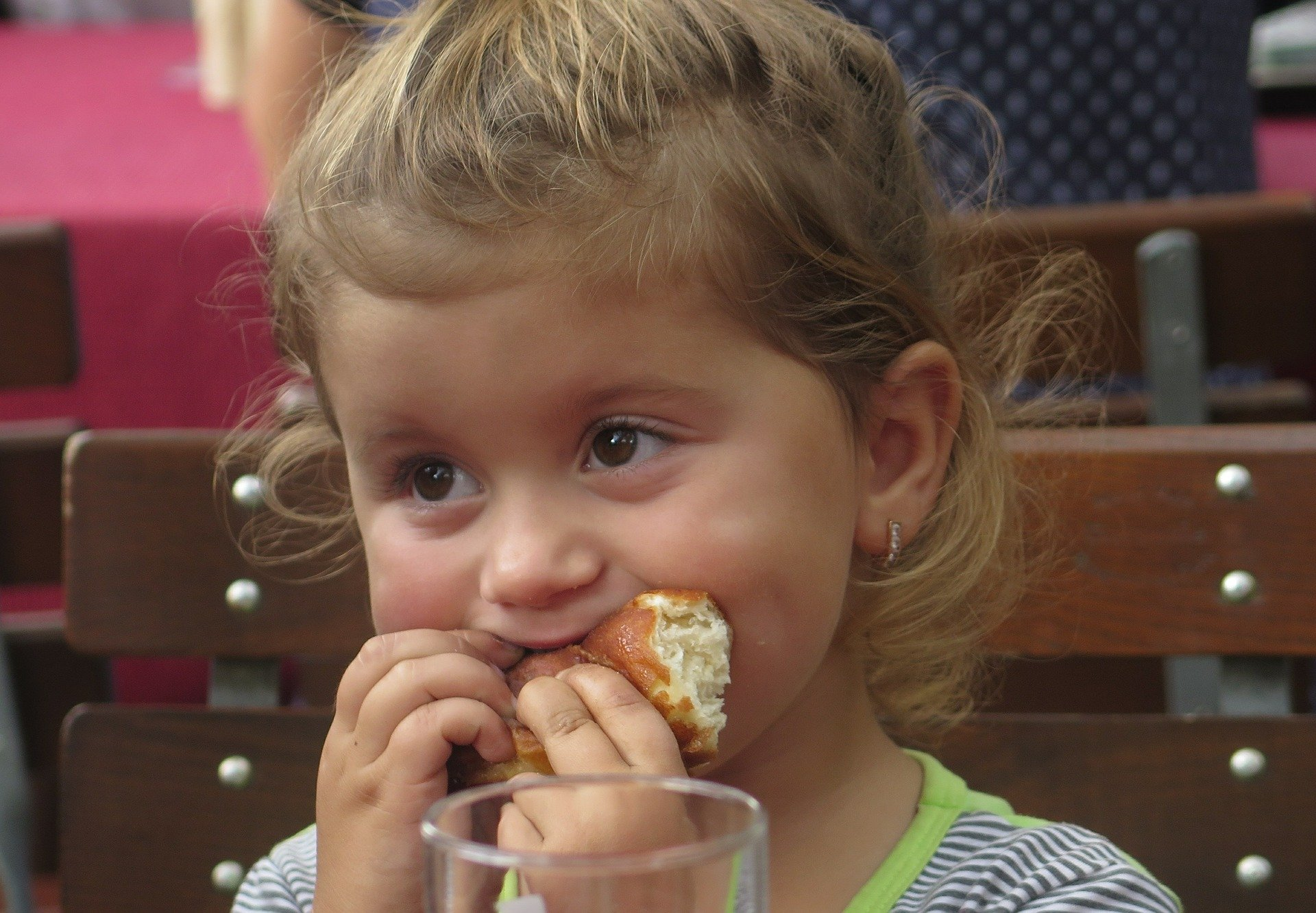 dziecko jedzenie