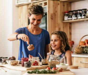 Co dawać dziecku jeść w upały porady dietetyka