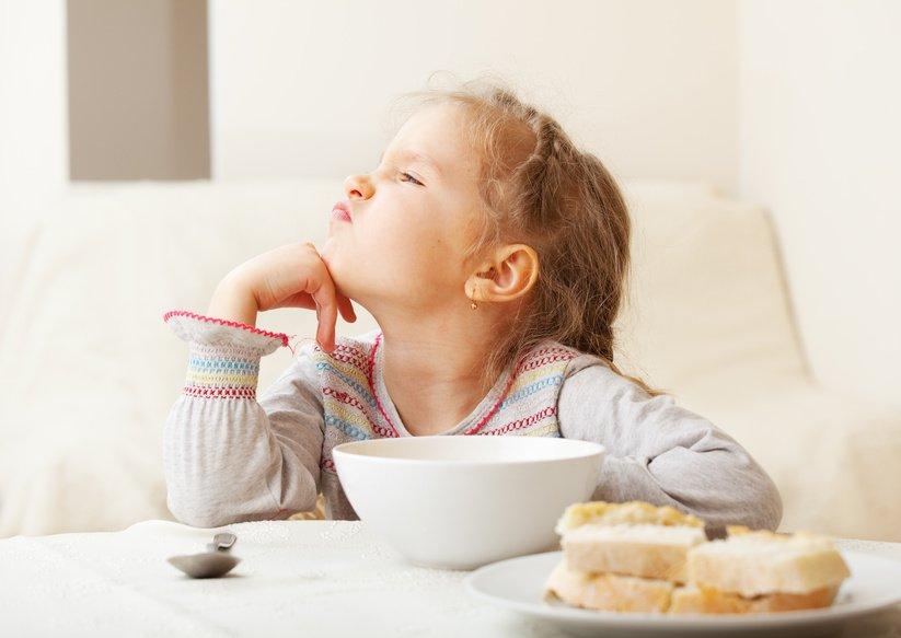 Moje dziecko jest niejadkiem. Jak zachęcić dziecko do jedzenia
