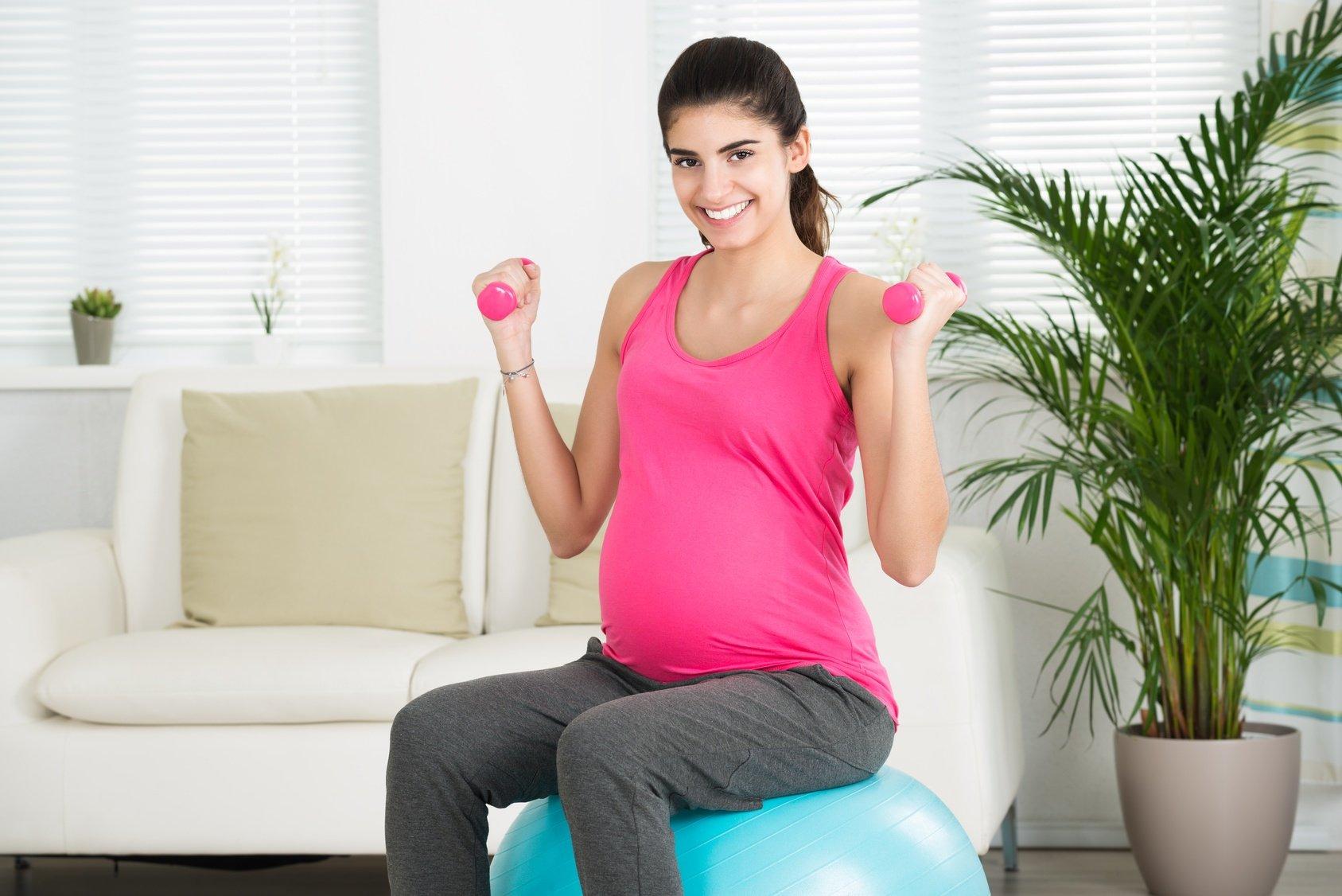 Ćwiczenia w ciąży. Porady połóżnej