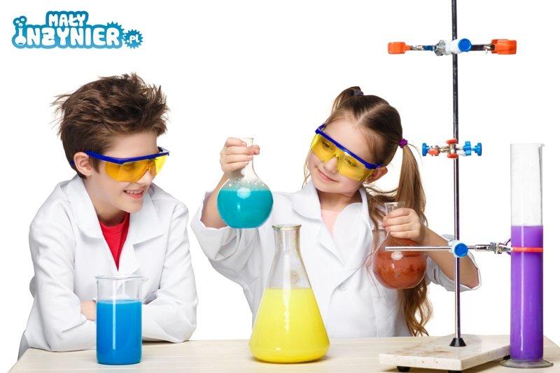 Dzieci chemia mały inżynier