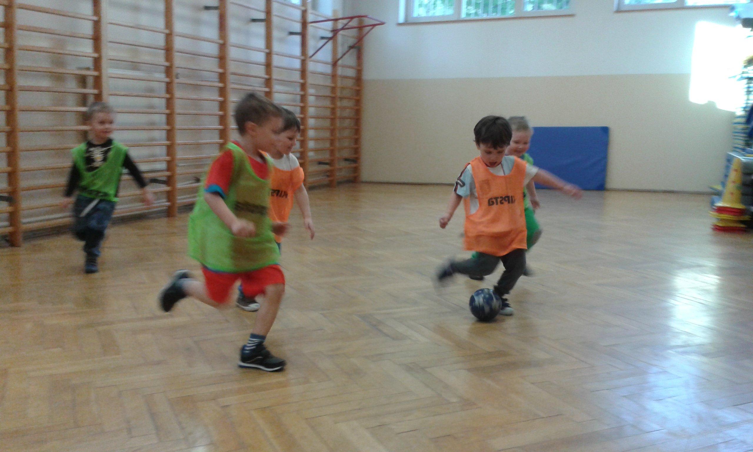 pozaszkolne formy edukacji skaczące piłki