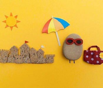 zabawy na plaży dzieckiem