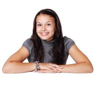 Uśmiechnięta nastolatka