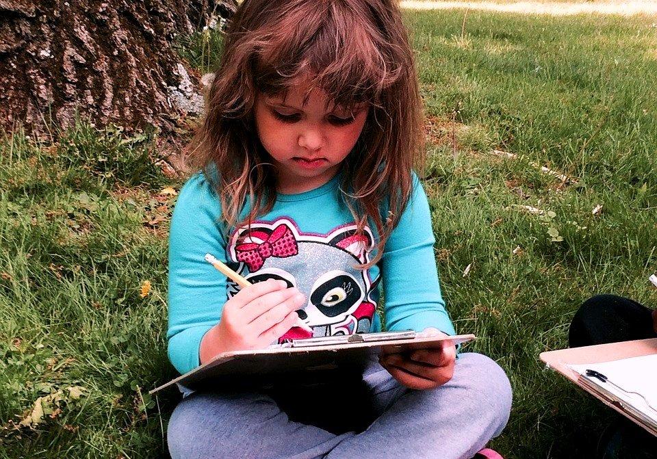 zadanie domowe dziewczynka