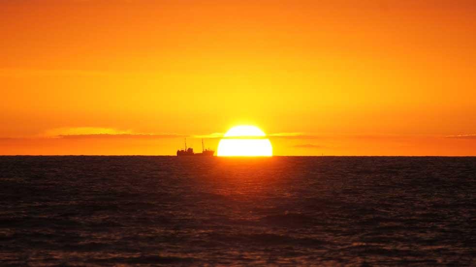Pomysły na lato - zachód słońca na plaży