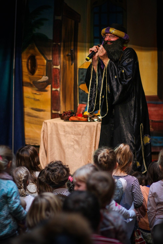 teatrzyki miasto aniołów cudowna-lampa-aladyna-2