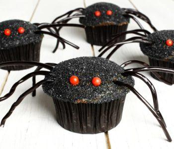 przepisy na straszne przekaski na Halloween