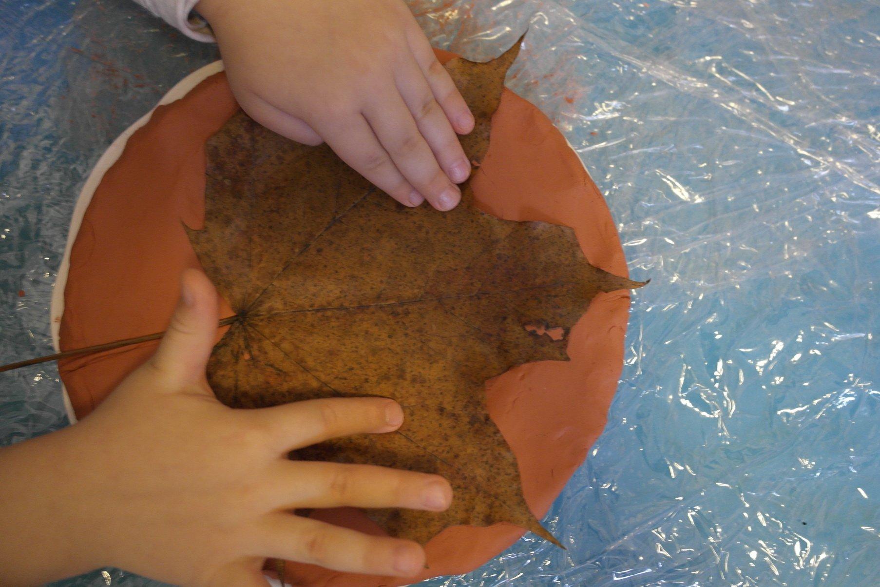 Jak zrobić gliniany liść