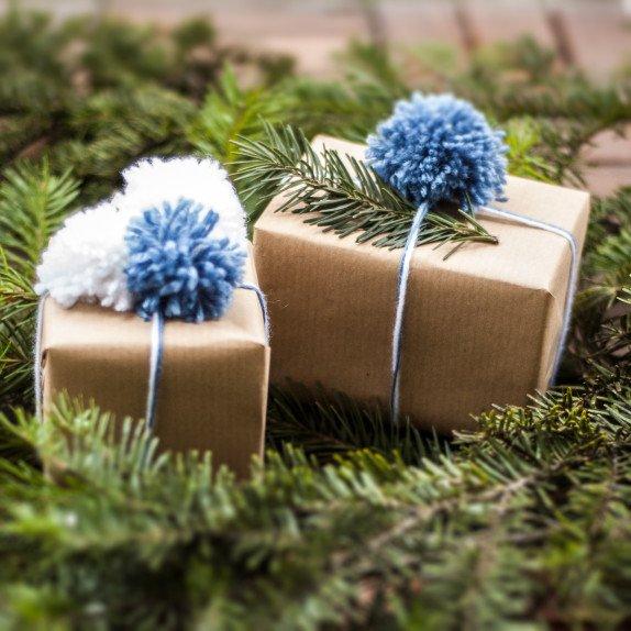 Opakowanie na prezenty świąteczne z włóczki
