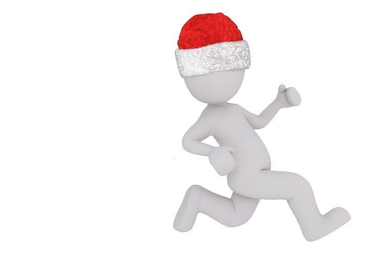 Święty Mikołaj biegnie