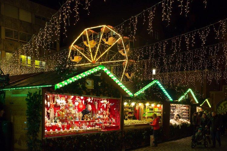 Kiermasze świąteczne w Warszawie