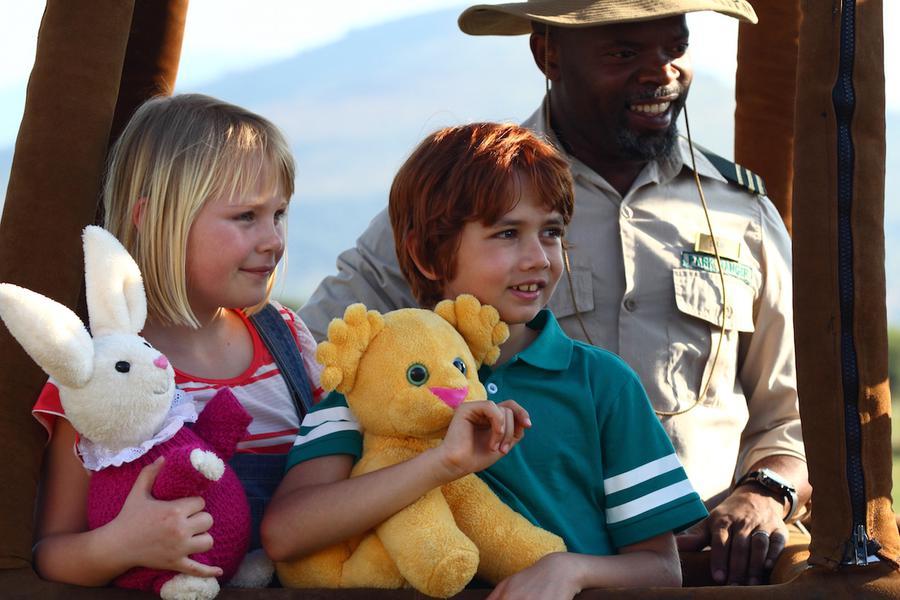 Czytamy i Oglądamy w Agrafce - Kacper i Emma na safari