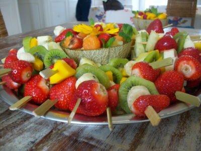 owocowe szaszłyki przepisy na urodziny