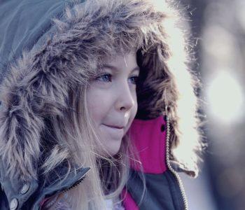 zima dziewczynka ferie zimowe