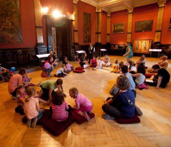 Zabawa plastyczno-ruchowa dla dzieci w muzeum